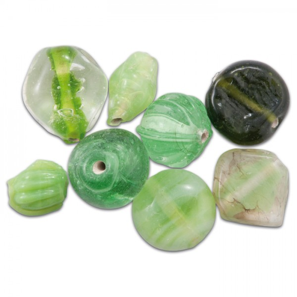Glasperlen glänzend 9-15mm 100g hellgrün handgefertigt, Lochgr. ca. 0,9-1,5mm