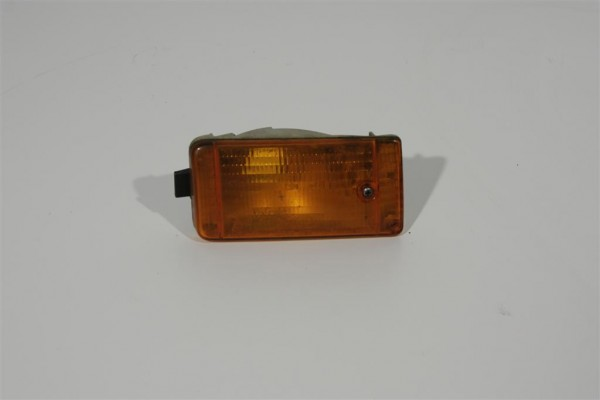 Audi 90 Typ 81/85 Blinker vorne Links gelb 811953055