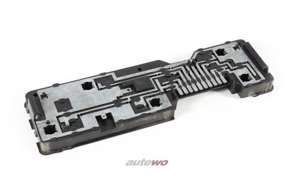 811945221A Audi 80 Typ 81/85 Limousine Lampenträger Hinten Links