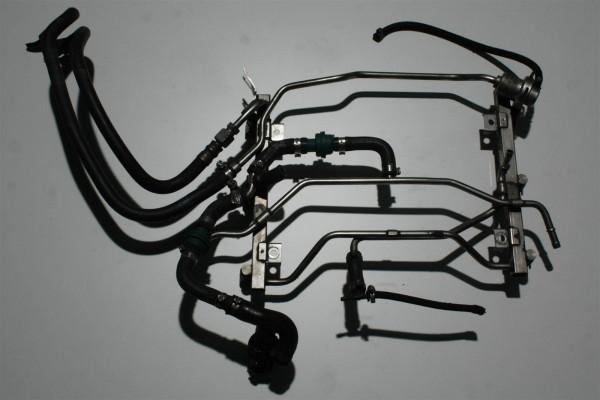 Audi S4 B5/A6 4B 2.7l Biturbo AGB Einspritzleiste + Benzindruckregler 078133681A