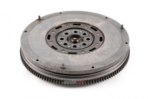 046105266E Audi A6 C4 2.5l TDI AAT/AEL Zweimassenschwungrad/Schwungscheibe