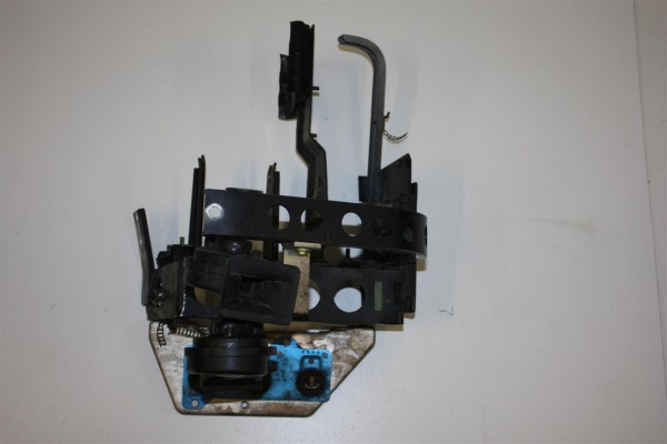 Audi A8 D2 Stützteil/Längsträger-Aufnahme Links 4D0821137AN