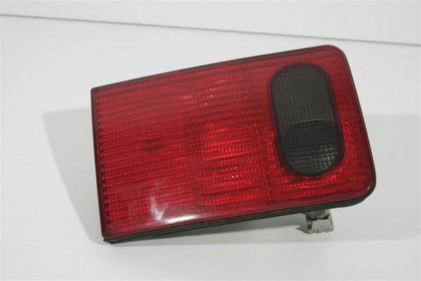 Audi A8 D2 Rücklicht Heckklappe innen links 4D0945093