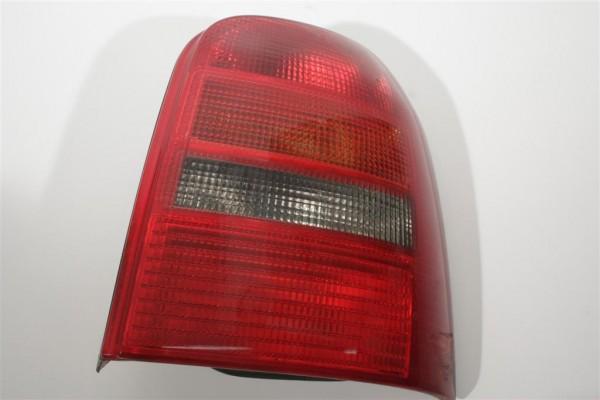 Audi A4/B5 Avant Blinker/Rücklicht hinten Rechts 8D9945112 8D9945096