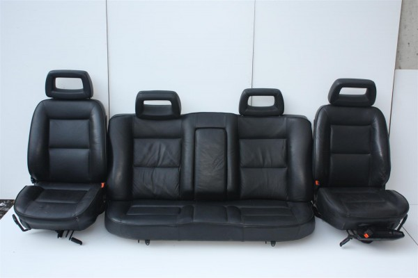 Audi 100/200 Typ 44/V8 D11 Limousine Innenausstattung Leder schwarz Sitzheizung