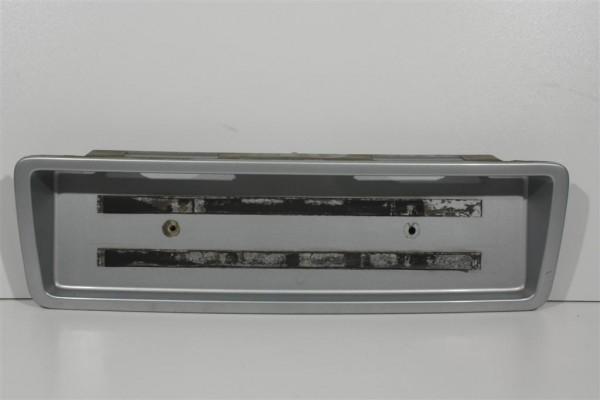 Audi A8 D2 Kennzeichenblende silber 4D0853465B