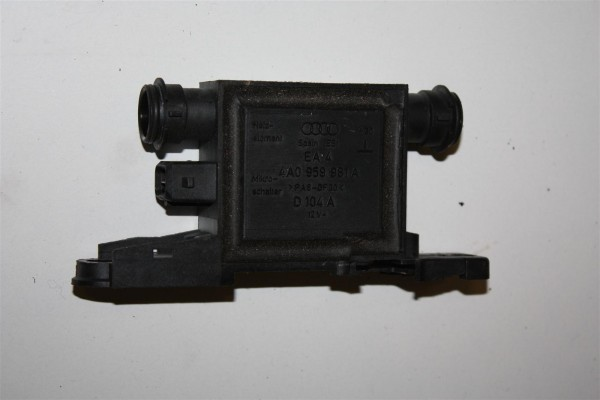 Audi/VW 80/100/A3/A4/A6 Steuergerät Türschlossheizung 4A0959981A