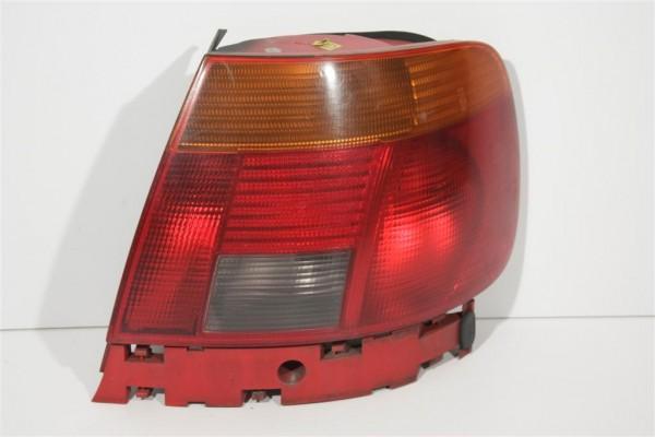 Audi A4/B5 Limousine Blinker/Rücklicht hinten Rechts gelb/rot 8D0945096A