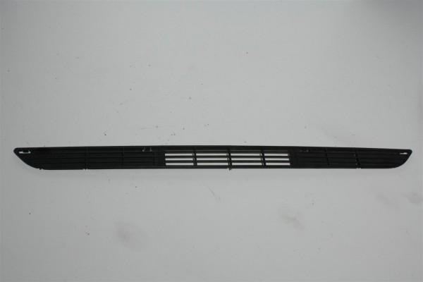 Audi 80 Typ 81 Luftführungsgitter Stoßstange Mitte 811853667A