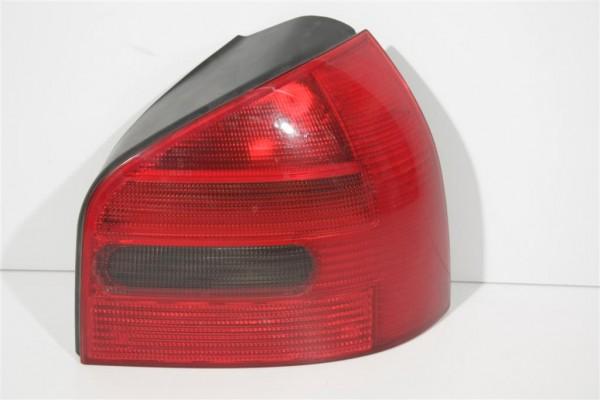 Audi A3 Blinker/Rücklicht hinten Rechts 8L0945112 8L0945096