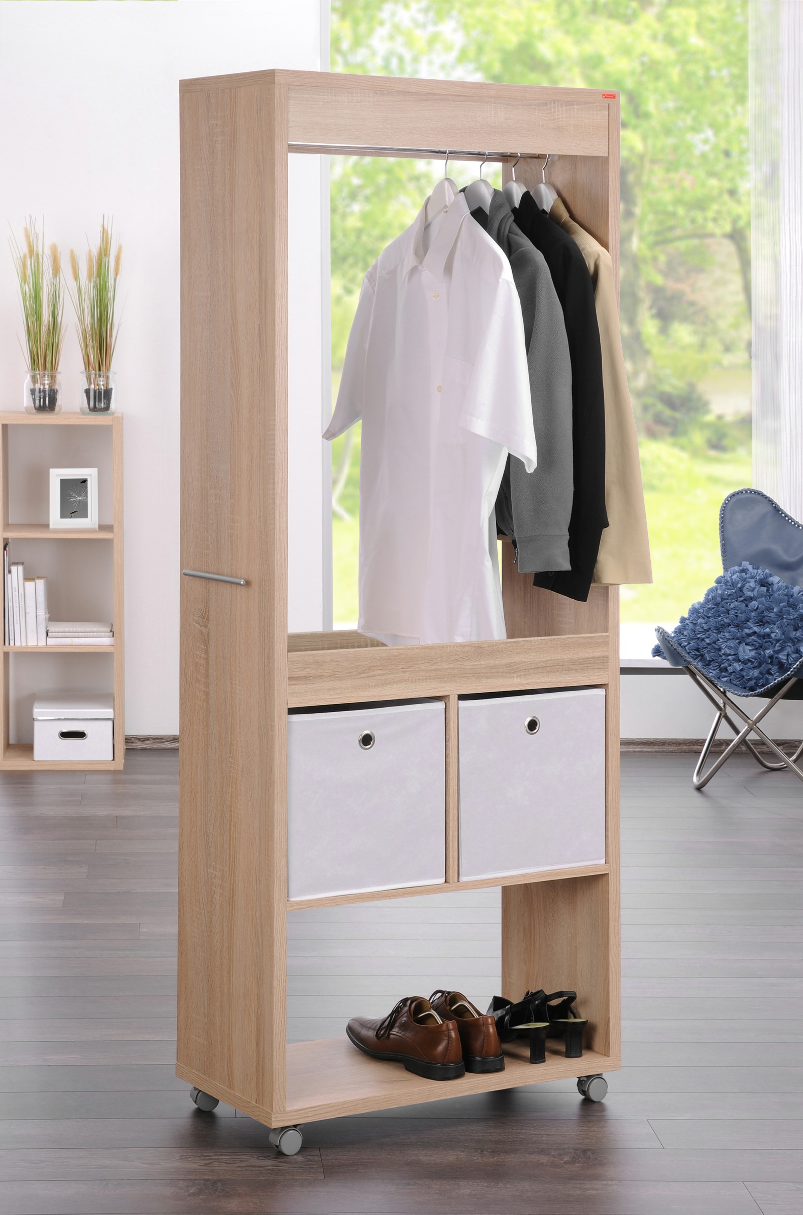 garderobe pony auf rollen rollgarderobe kleiderst nder. Black Bedroom Furniture Sets. Home Design Ideas