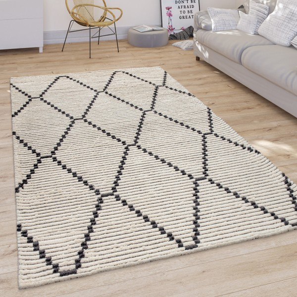 Living Room Rug Scandi Diamond Pattern